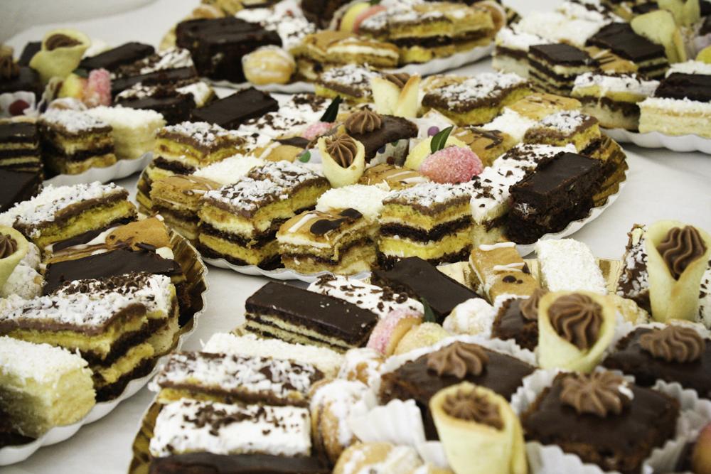 Prăjituri Torturi De Casă și